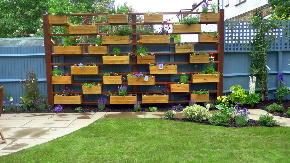 Herb garden ideas bewhatwelove Herb garden wall ideas
